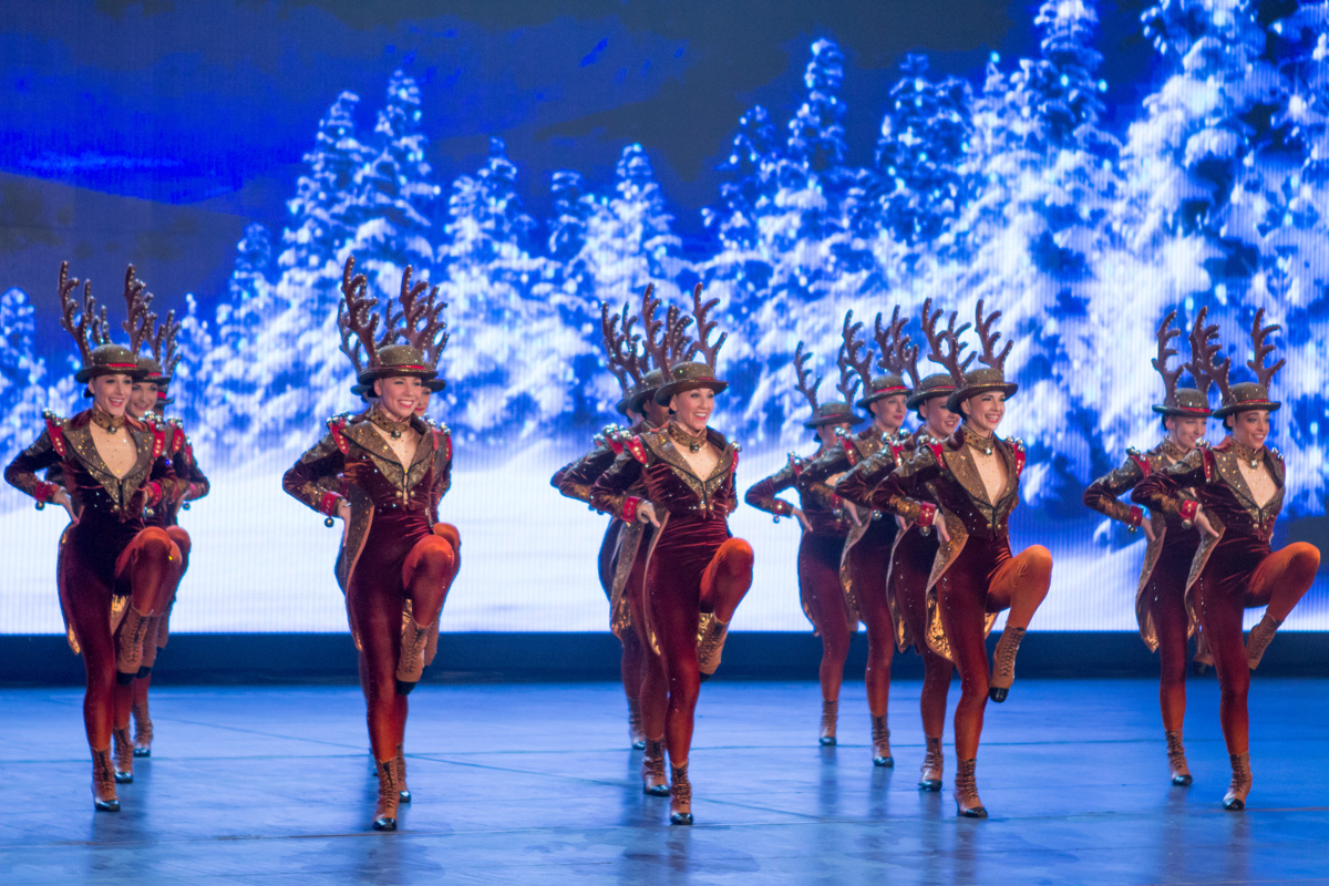 the radio city rockettes in the christmas spectacular - Rockettes Christmas Show