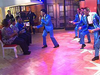Watch Berry Gordy Amp The Cast Of Motown Sign Amp Seal A