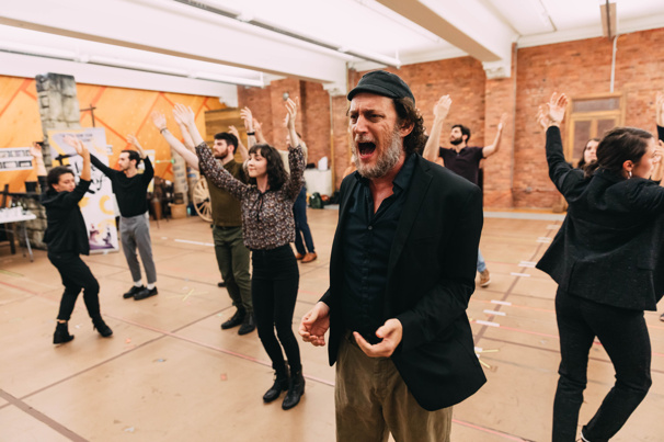 In the Rehearsal Room with Yehezkel Lazarov and the Fiddler on the Roof National Tour Cast