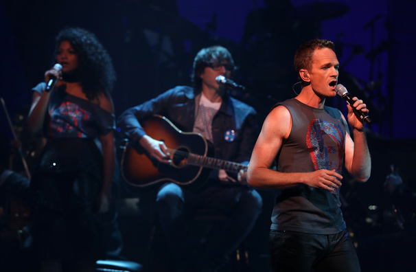 "Rebecca Naomi Jones and Neil Patrick Harris perform ""Origin of Love"" from Hedwig and the Angry Inch.(Photo: Justin Sullivan/Getty Images)"