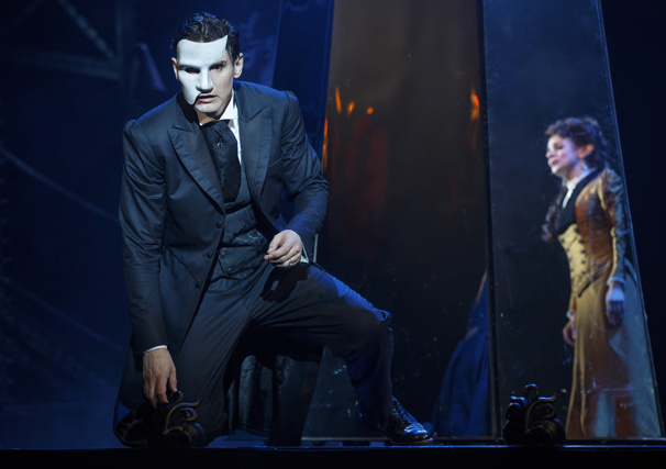 Garðar Thór Cortes as The Phantom and Meghan Picerno as Christine Daaé in the national tour of Love Never Dies.