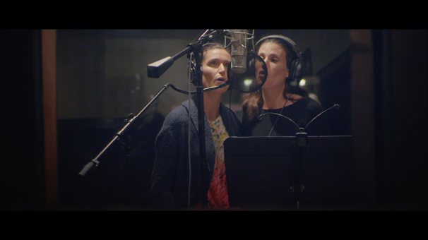 Watch Idina Menzel & Her Sister Duet on 'Never Never Land' from Peter Pan