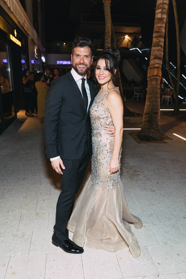 On Your Feet!'s national tour stars Mauricio Martínez and Christie Prades get all glammed up for the opening night party.