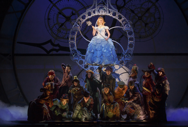 Ginna Claire Mason as Glinda and the cast of the national tour of Wicked