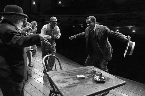 Denzel Washington as Hickey and the cast of The Iceman Cometh.