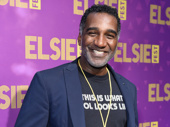 Tony nominee Norm Lewis snaps a pic.(Photo: Jenny Anderson/Getty Images)