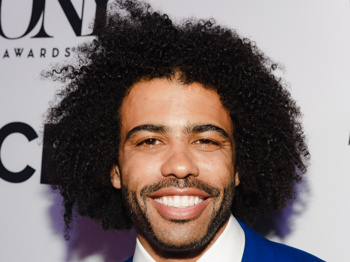 Odds & Ends: Daveed Diggs' ABC Pilot, Jennifer Simard to Star in London's Disaster! & More