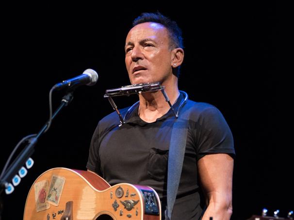 Tony Winner Bruce Springsteen's Broadway Hit Springsteen on Broadway to Arrive on Netflix