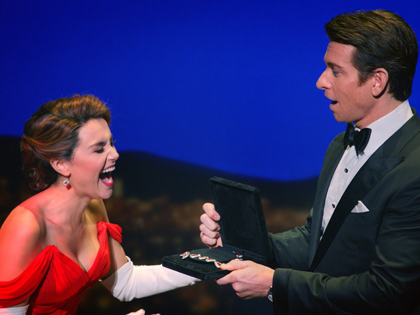Watch Samantha Barks, Andy Karl, Orfeh & More Make Hollywood Magic in Pretty Woman: The Musical