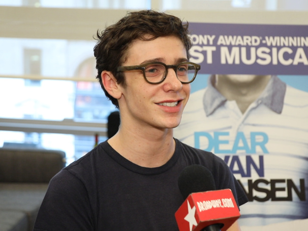 The Broadway.com Show: Dear Evan Hansen's Ben Levi Ross, Jessica Phillips & More Preview the Tour