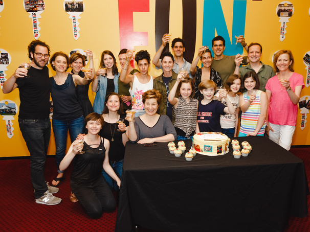 Fun Home Celebrates 500 Performances on Maple Avenue