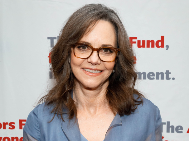 Old Vic's All My Sons, Starring Sally Field & Bill Pullman, to Be Broadcast Worldwide; Further Casting Announced