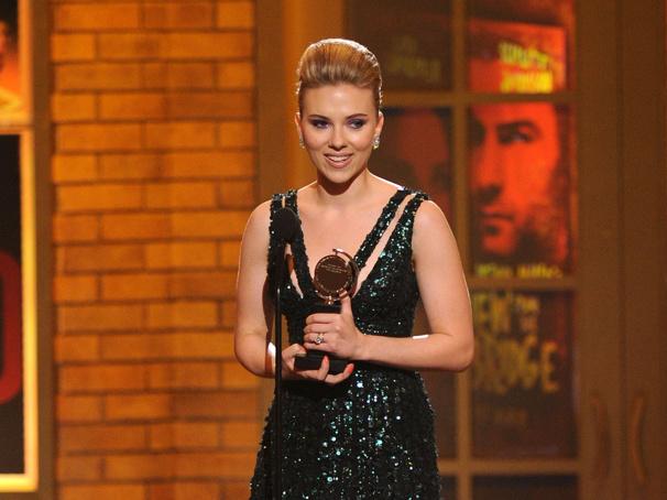 Tearful Scarlett Johansson Wins Tony Award for Broadway Debut