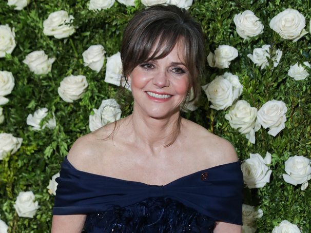 Sally Field & Bill Pullman to Lead New Staging of All My Sons at London's Old Vic
