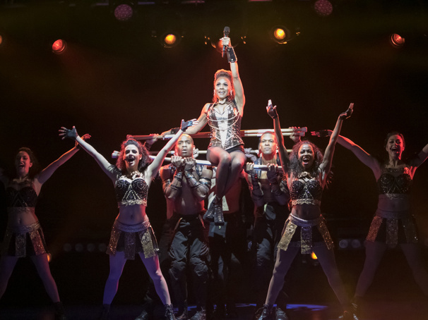 Deborah Cox as Rachel Marron & the cast of The Bodyguard.