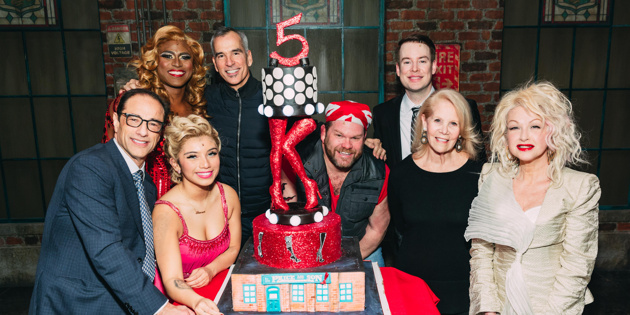See david cook cyndi lauper more celebrate five years for Kinky boots cyndi lauper