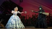 Kara Lindsay as Glinda & Jackie Burns as Elphaba in Wicked