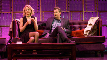 Jennifer Morrison as Stephanie and Matthew Perry as Jack in The End of Longing.